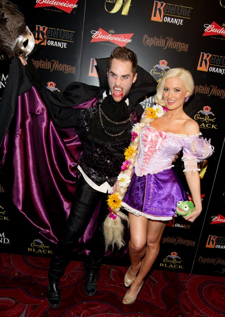 holly-madison-and-josh-stickland-on-carpet-at-studio-54-las-vegas-10-29-11